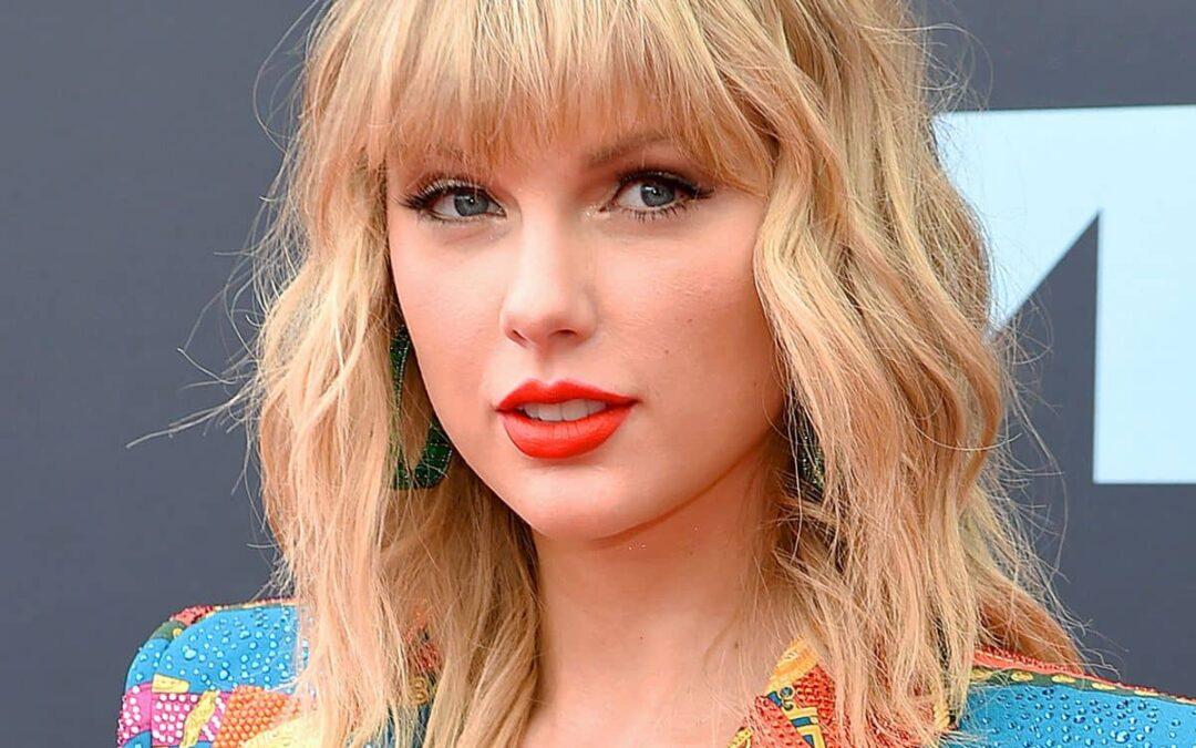 Taylor Swift, Exclusive Radio